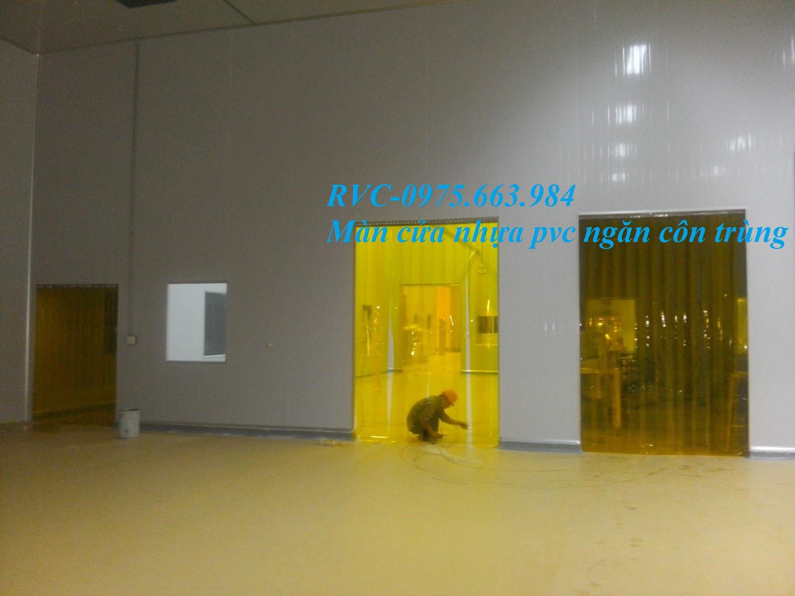màn cửa nhựa pvc màu vàng
